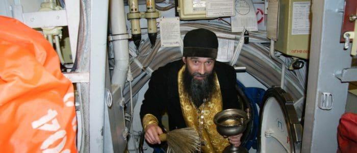 Священник Североморской епархии отправился в боевой поход на авианесущем крейсере «Адмирал Кузнецов»
