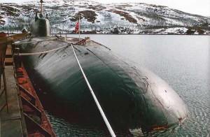Б-414 «Даниил Московский» у пирса в Ара-Губе
