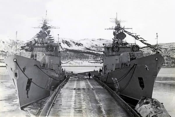 Корабли 130 бригады противолодочных кораблей у второго причала, Ара-Губа, 1970-е годы