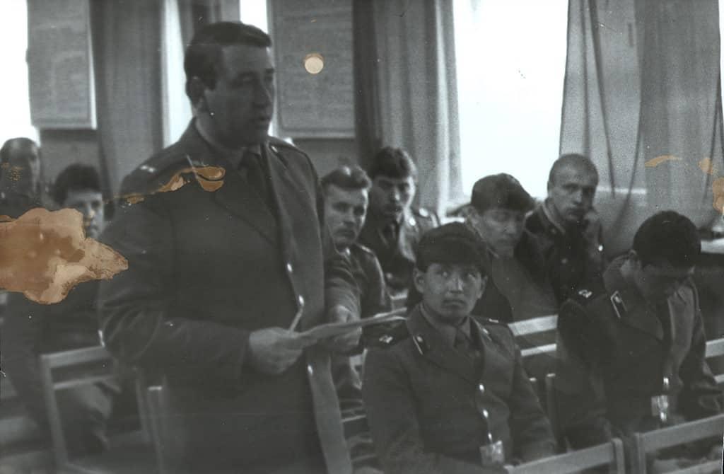 Командир нашей части Валентин Иванович Трушин выступает на суде, 1987 год