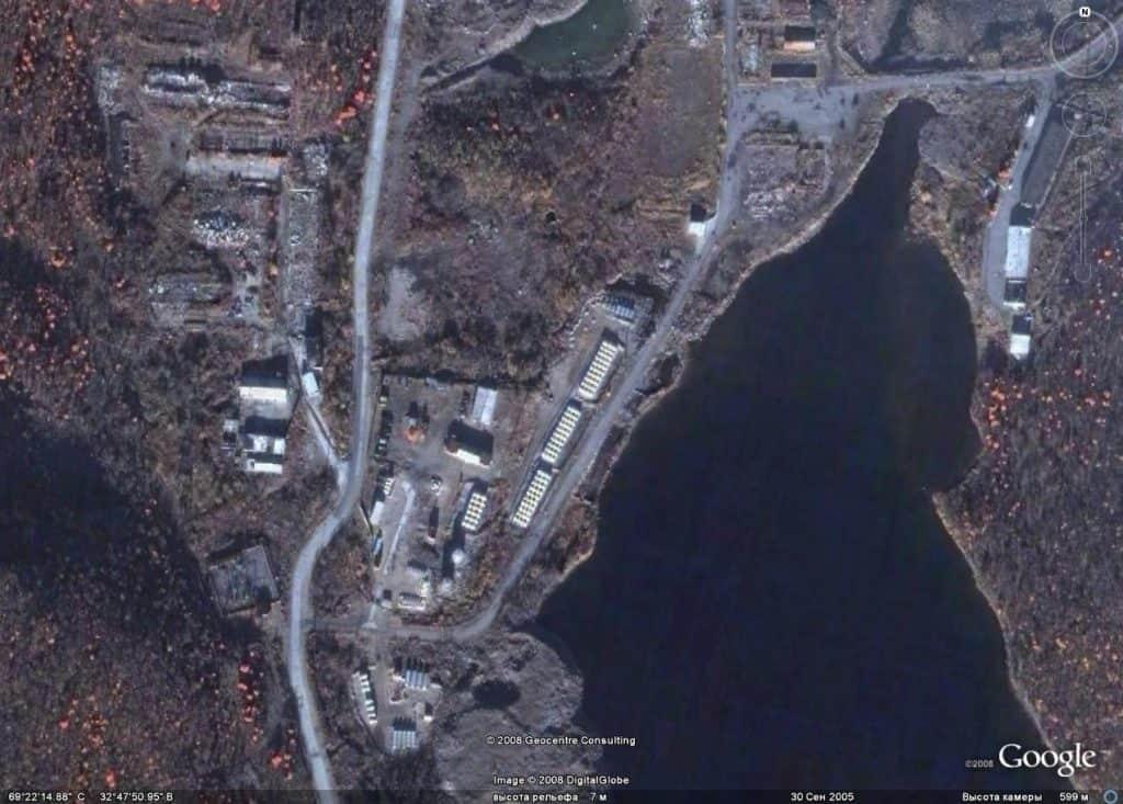 Ара-Губа на спутниковых снимках, сентябрь 2005 года, в левой части снимка до 1990 года располагалась в/ч 12625 (ранее в/ч 11767)