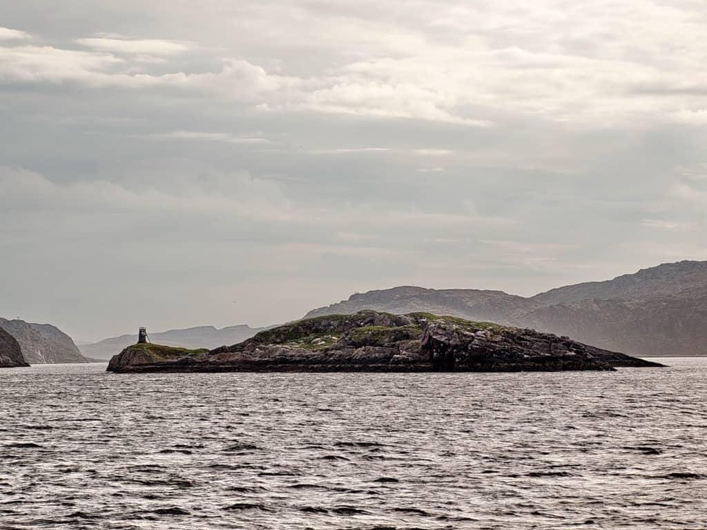 Ара-Губа, остров Большой Арский у выхода в Мотовский Залив