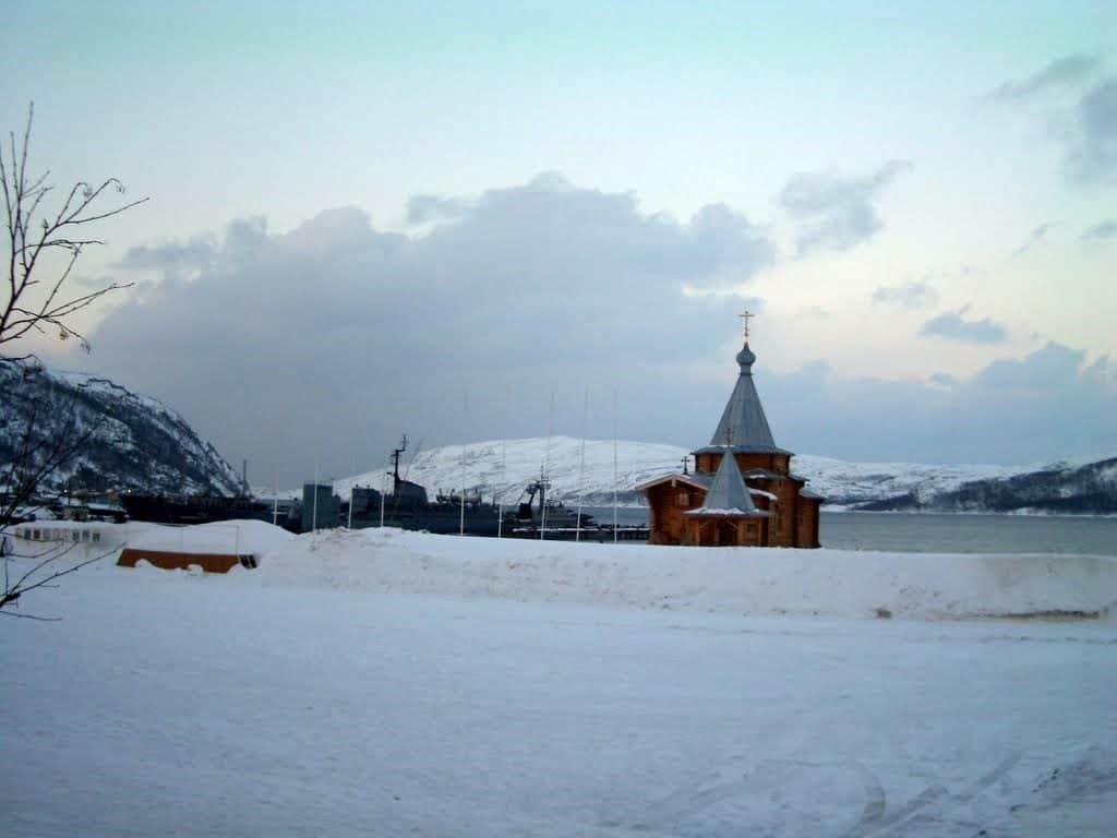 Ара-Губа, зимний вид на храм и корабли