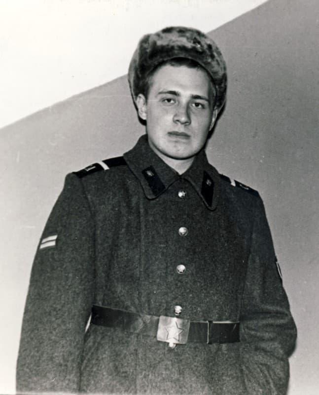 Николай Семёнов в краткосрочном отпуске, ноябрь 1977 года
